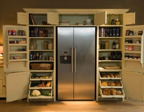 10 Fridge/Pantry Items You Need